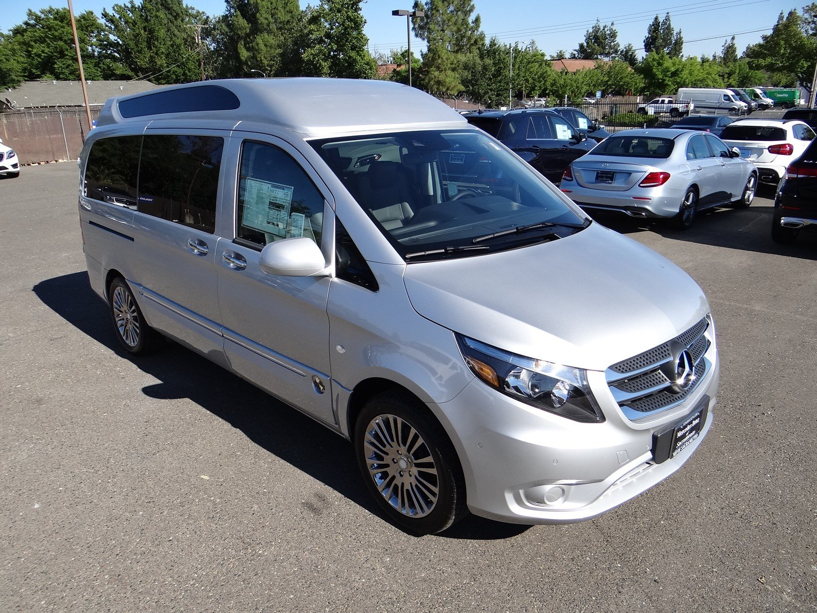 new 2017 mercedes benz metris passenger van mmpv2g luxury passenger in sacramento m0052. Black Bedroom Furniture Sets. Home Design Ideas